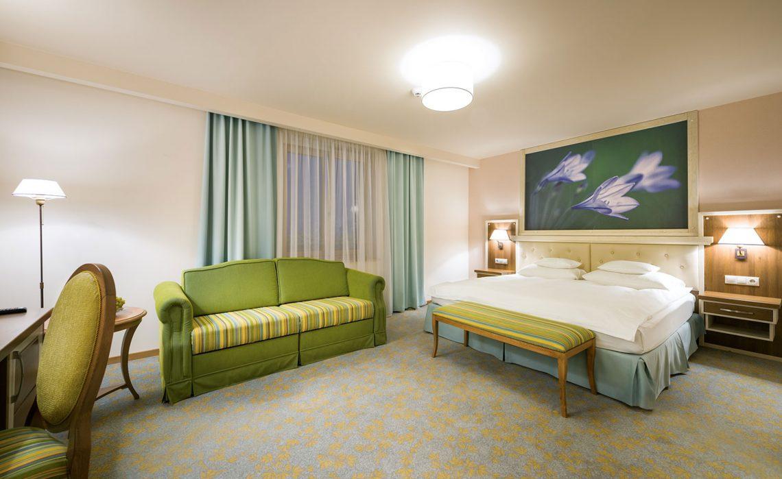 Triple Deluxe Room - Hotel Sonnenhof Suceava